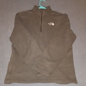 Mens M 1/4 zip North Face 100% polyester sweater